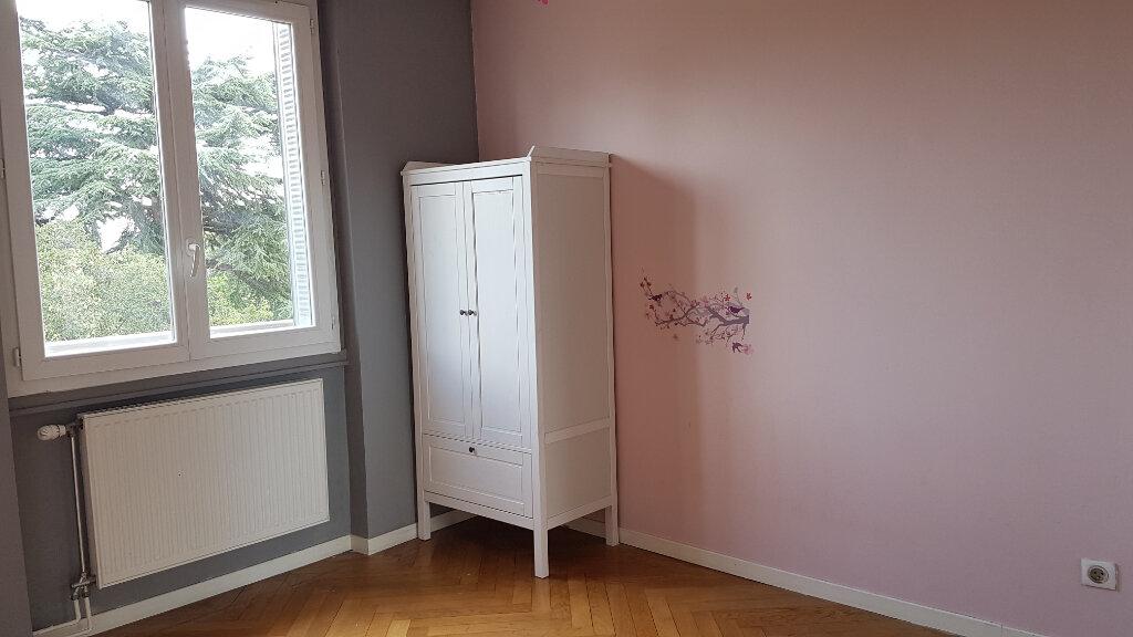 Appartement à louer 3 66m2 à Bron vignette-7