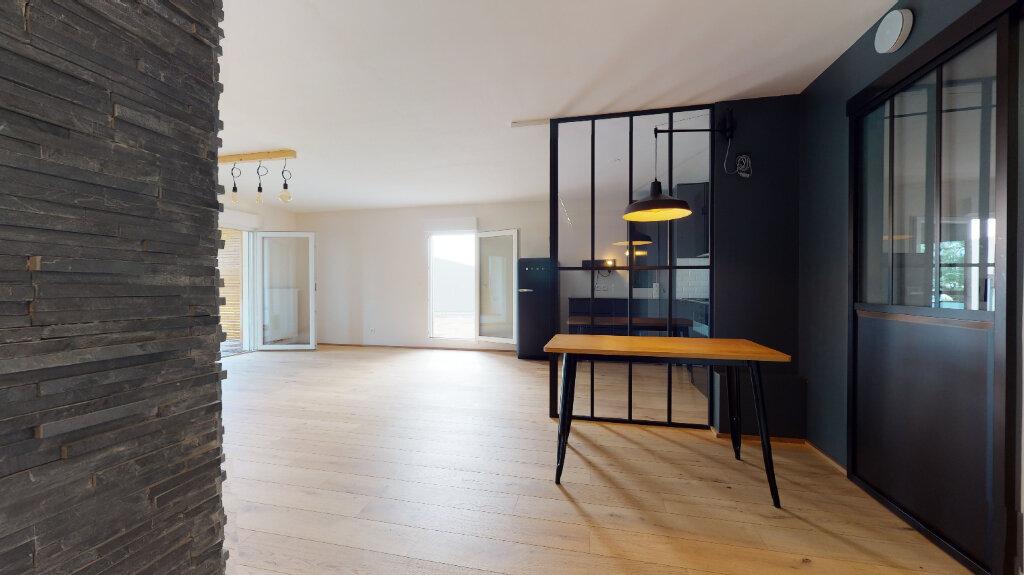 Appartement à vendre 4 94.02m2 à Francheville vignette-1