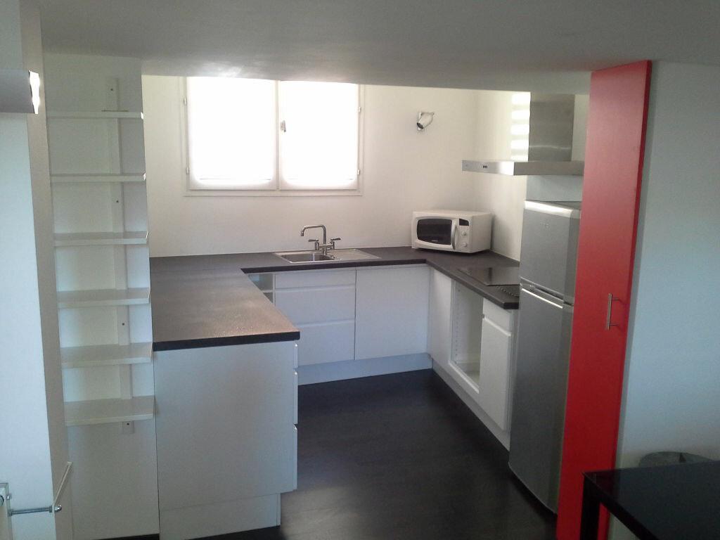 Appartement à louer 2 45m2 à Aix-en-Provence vignette-2