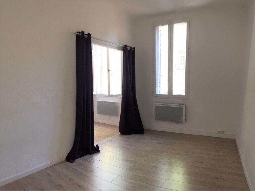 Appartement à louer 2 33.45m2 à Aix-en-Provence vignette-2