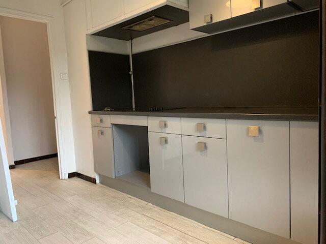 Appartement à louer 4 73.86m2 à Aix-en-Provence vignette-3