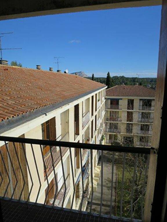 Appartement à louer 4 73.86m2 à Aix-en-Provence vignette-5