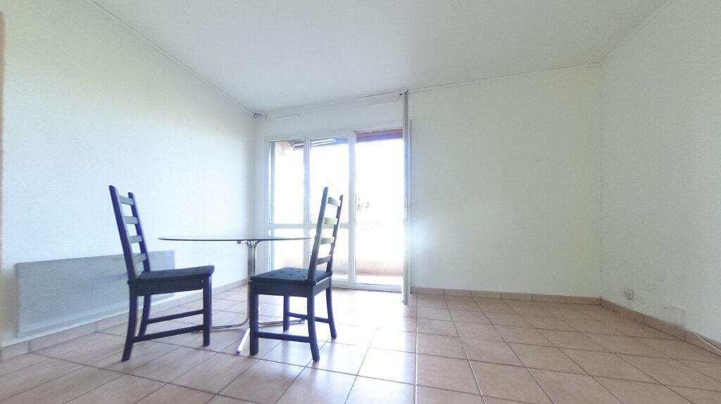 Appartement à louer 1 31.9m2 à Aix-en-Provence vignette-1