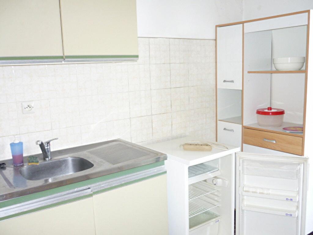 Appartement à louer 1 31.9m2 à Aix-en-Provence vignette-2