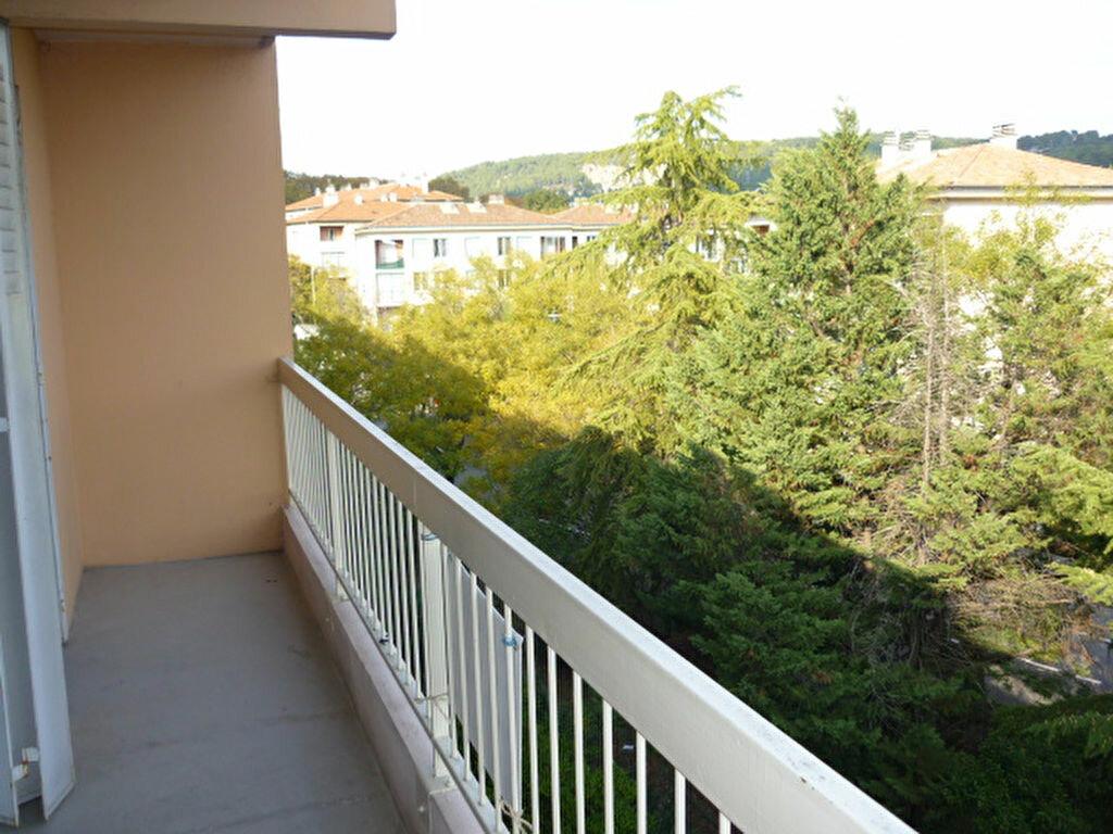 Appartement à louer 1 31.9m2 à Aix-en-Provence vignette-4