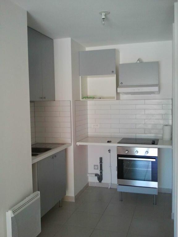 Appartement à louer 2 41.9m2 à Grans vignette-3