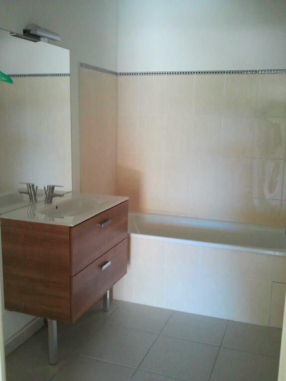 Appartement à louer 2 41.9m2 à Grans vignette-6
