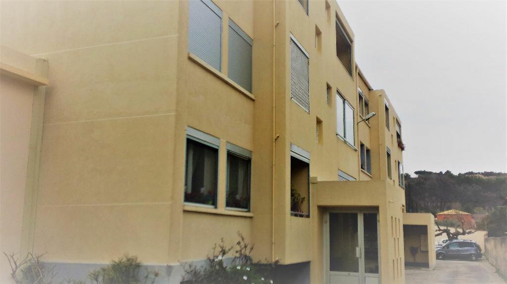 Appartement à louer 4 61.24m2 à Saint-Chamas vignette-5