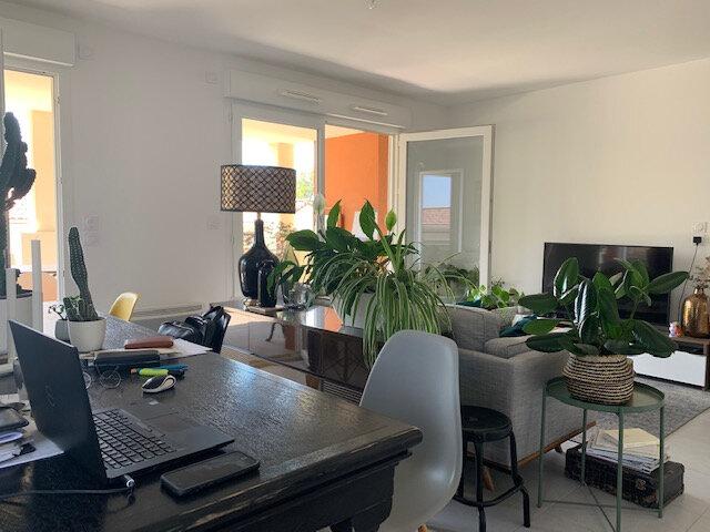 Appartement à louer 3 65.03m2 à Châteauneuf-le-Rouge vignette-2