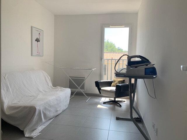 Appartement à louer 3 65.03m2 à Châteauneuf-le-Rouge vignette-4