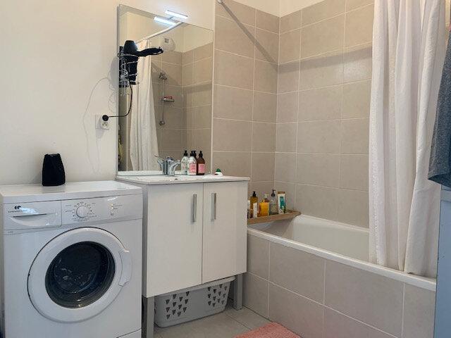 Appartement à louer 3 65.03m2 à Châteauneuf-le-Rouge vignette-5