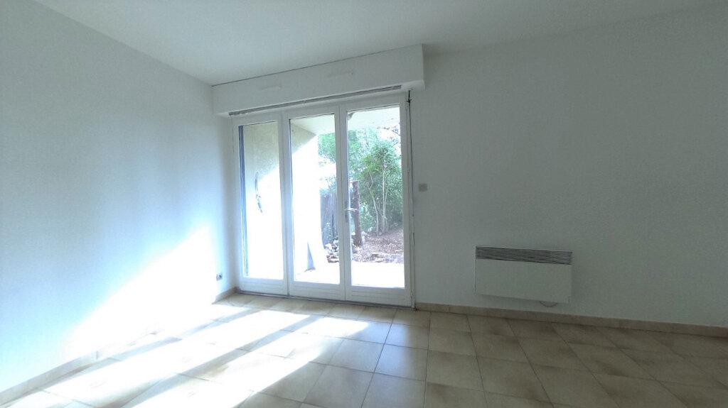 Appartement à louer 1 32.9m2 à Aix-en-Provence vignette-1