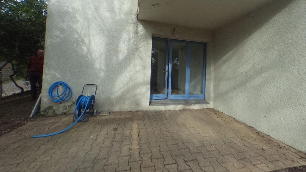 Appartement à louer 1 32.9m2 à Aix-en-Provence vignette-4