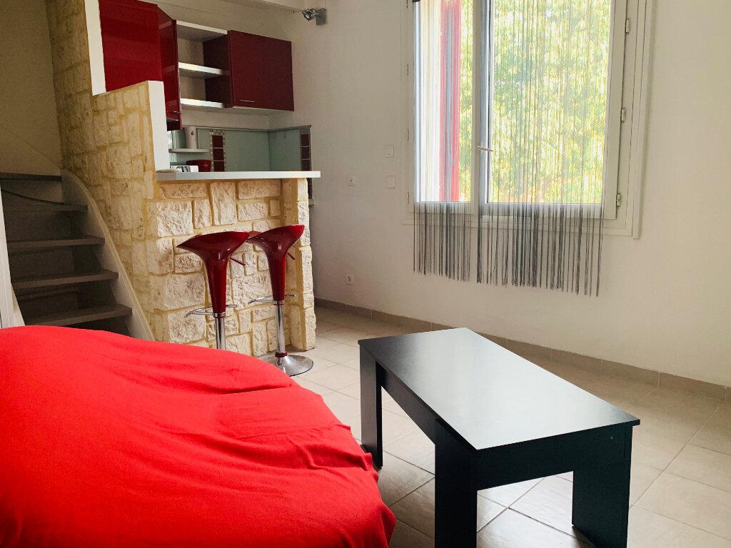 Appartement à louer 1 22.04m2 à Aix-en-Provence vignette-1