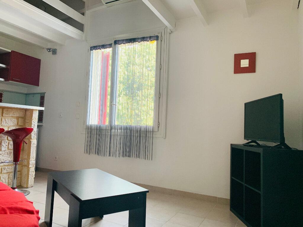 Appartement à louer 1 22.04m2 à Aix-en-Provence vignette-4
