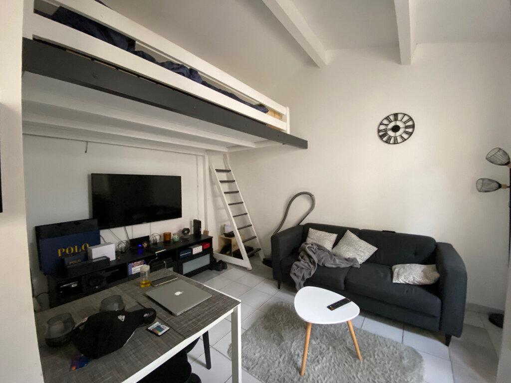 Appartement à louer 1 18.15m2 à Aix-en-Provence vignette-1