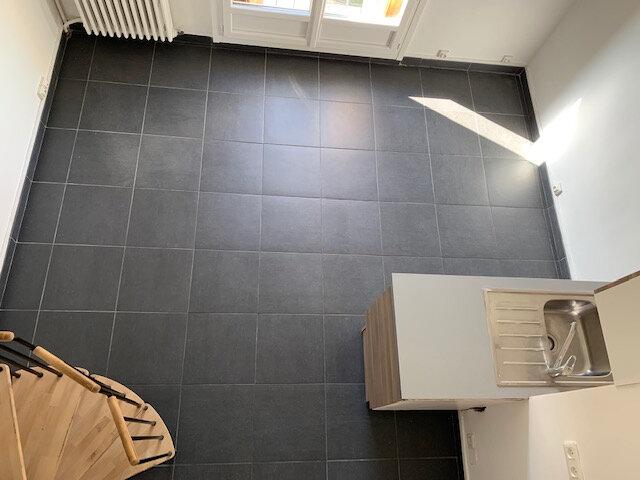 Appartement à louer 2 34.49m2 à Aix-en-Provence vignette-2