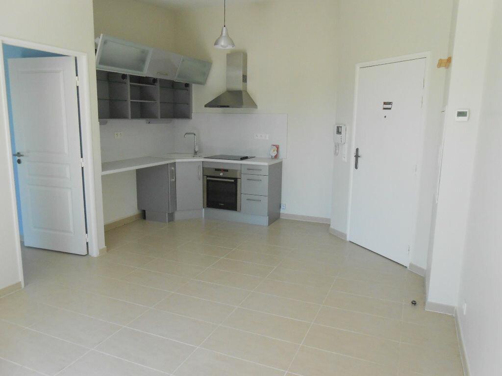 Appartement à louer 2 36.36m2 à Aix-en-Provence vignette-2