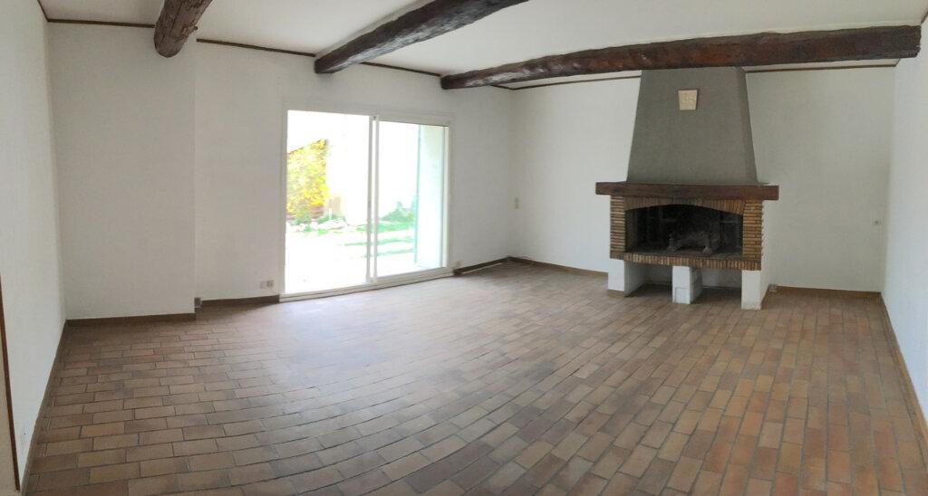 Maison à louer 3 96.61m2 à La Fare-les-Oliviers vignette-2