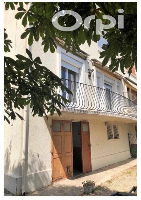 Maison à vendre 4 110m2 à La Fare-les-Oliviers vignette-1