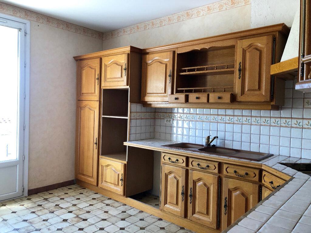 Maison à vendre 4 110m2 à La Fare-les-Oliviers vignette-2