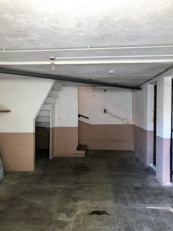 Maison à vendre 4 110m2 à La Fare-les-Oliviers vignette-4