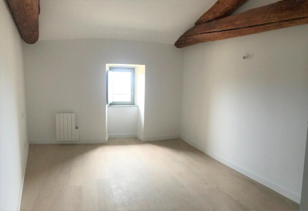 Appartement à louer 3 67.65m2 à Meyrargues vignette-4