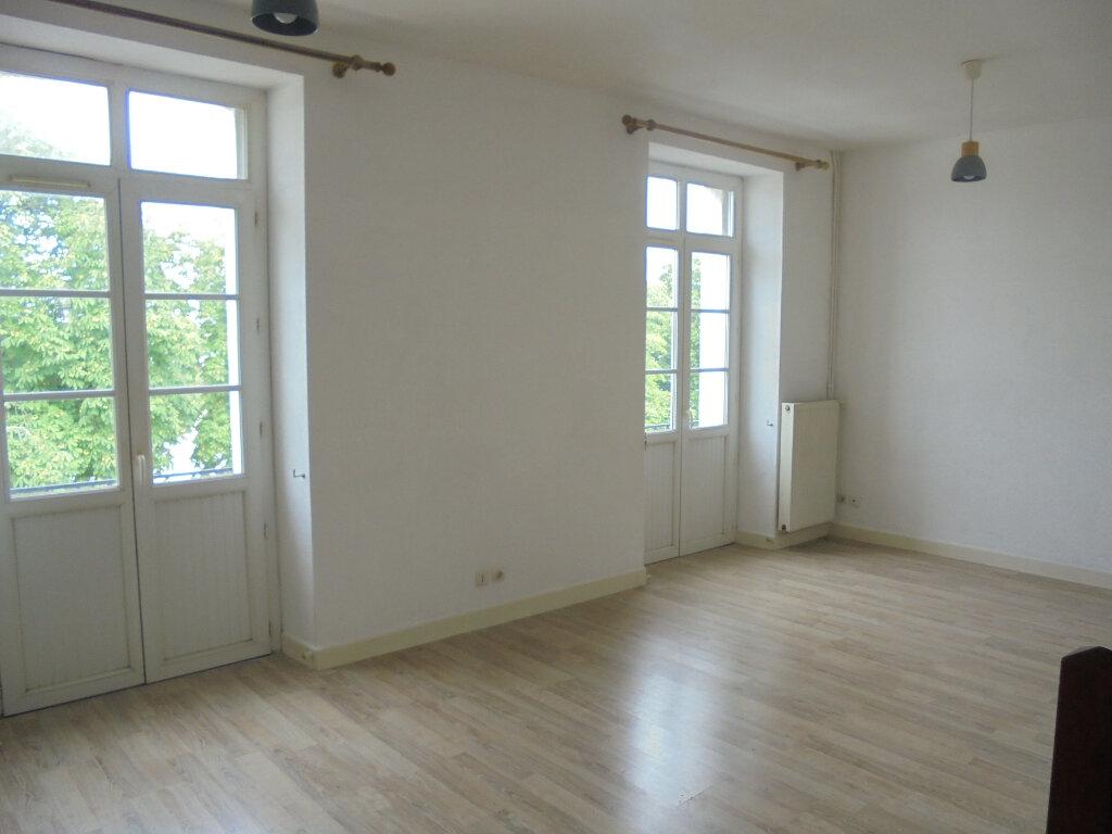 Appartement à louer 2 39.3m2 à Libourne vignette-1