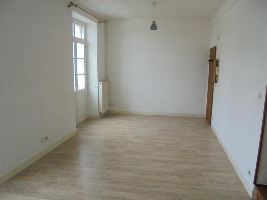 Appartement à louer 2 39.3m2 à Libourne vignette-2
