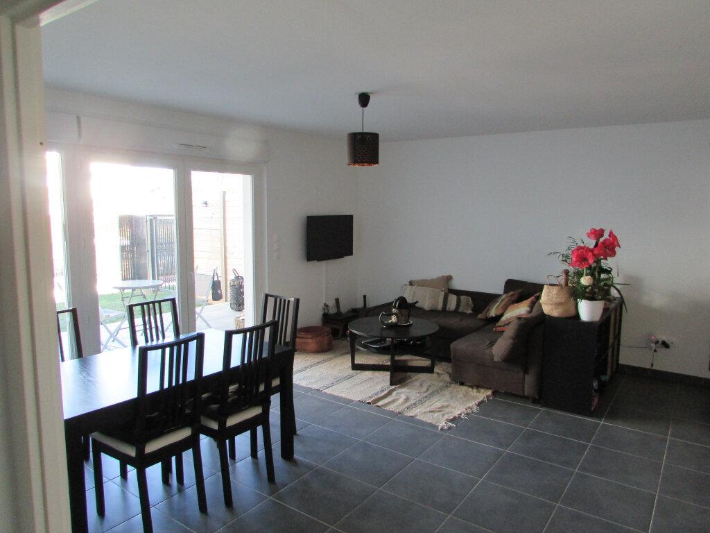 Appartement à louer 3 64.86m2 à Essey-lès-Nancy vignette-2