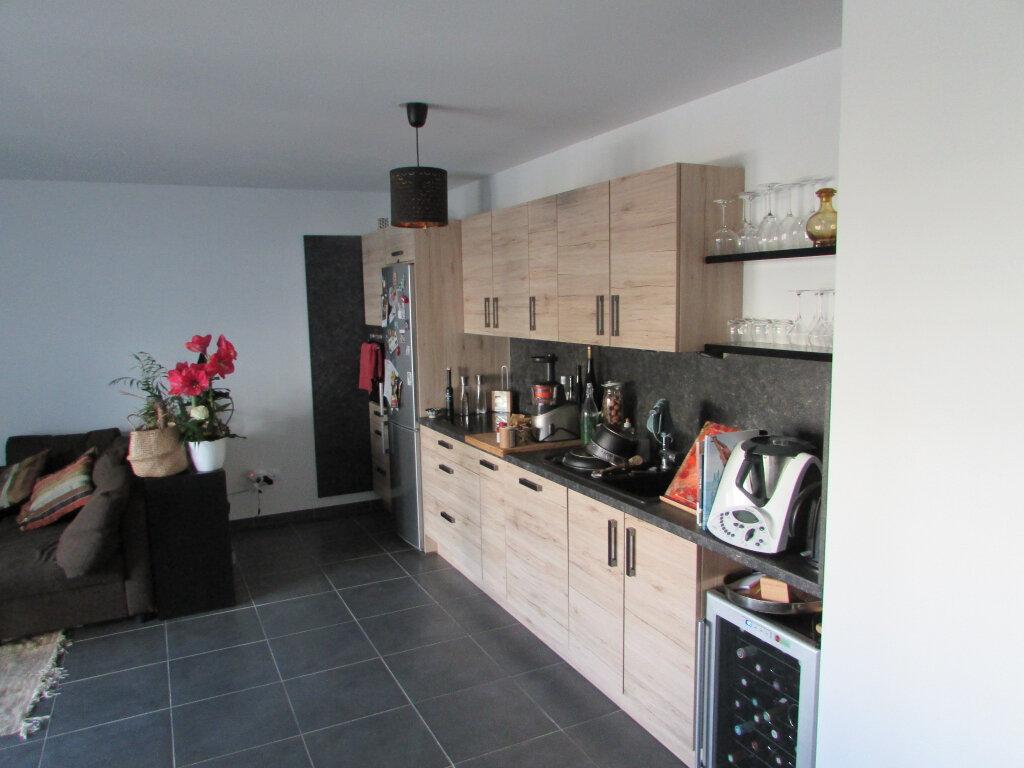 Appartement à louer 3 64.86m2 à Essey-lès-Nancy vignette-3