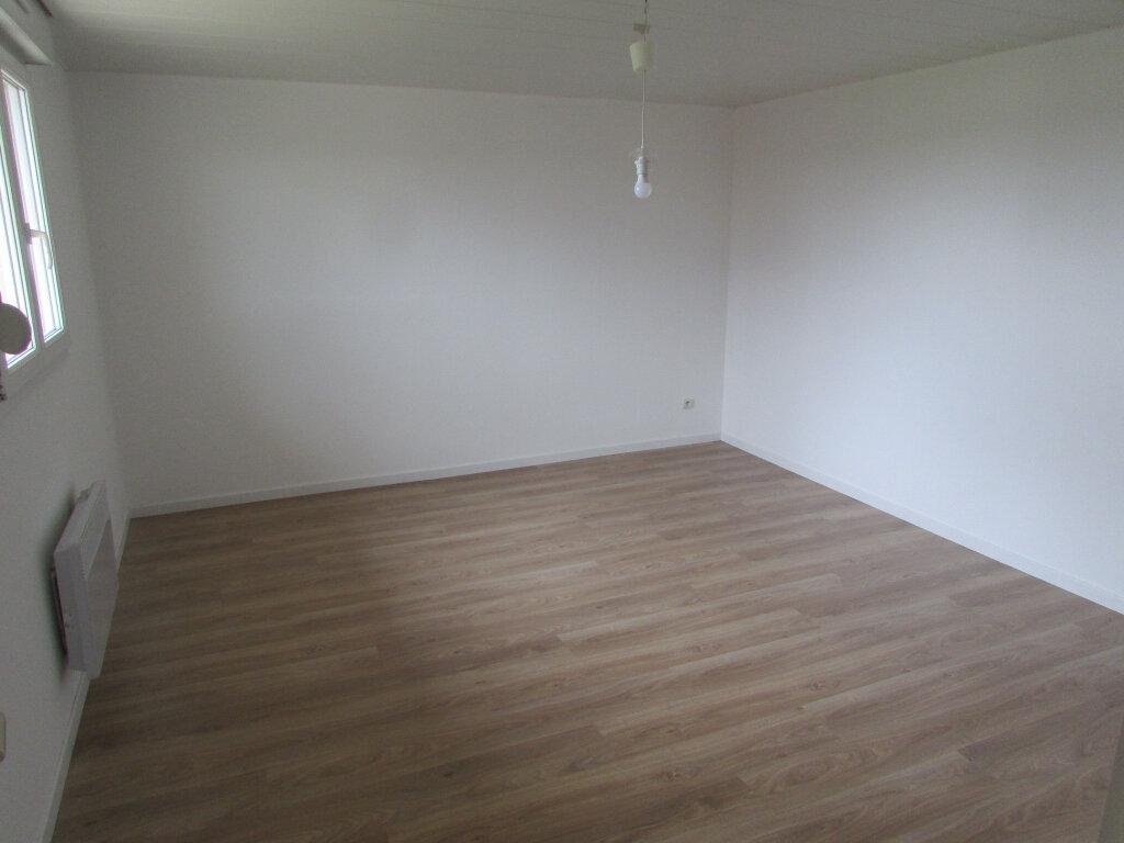 Maison à louer 5 112.08m2 à Courbesseaux vignette-3