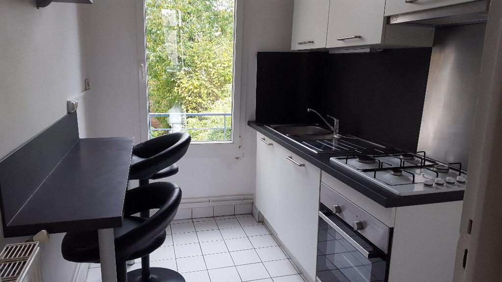 Appartement à louer 3 61.46m2 à Nancy vignette-1