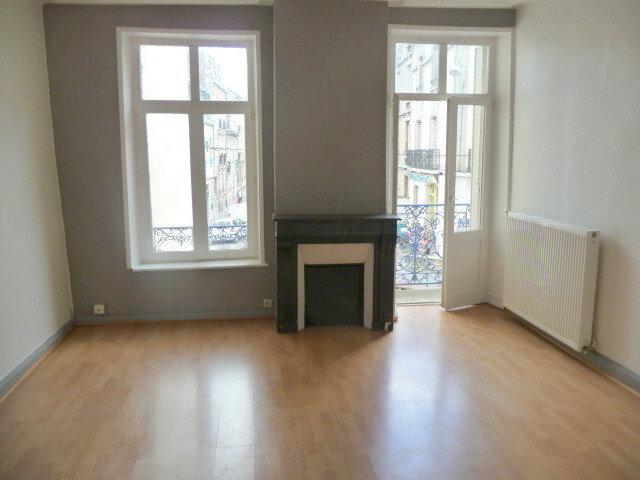 Appartement à louer 3 61.46m2 à Nancy vignette-2