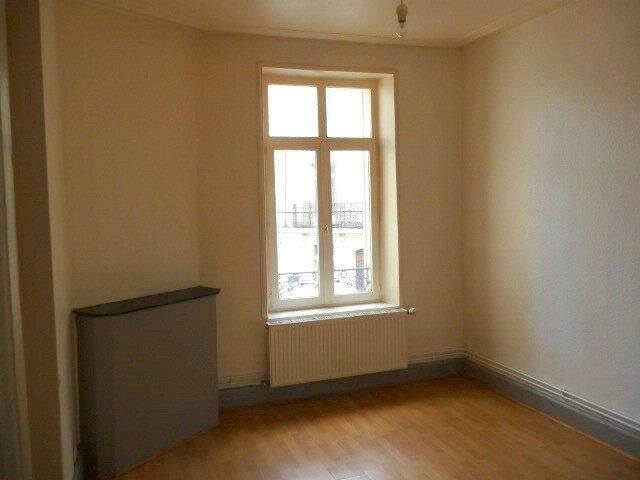 Appartement à louer 3 61.46m2 à Nancy vignette-4