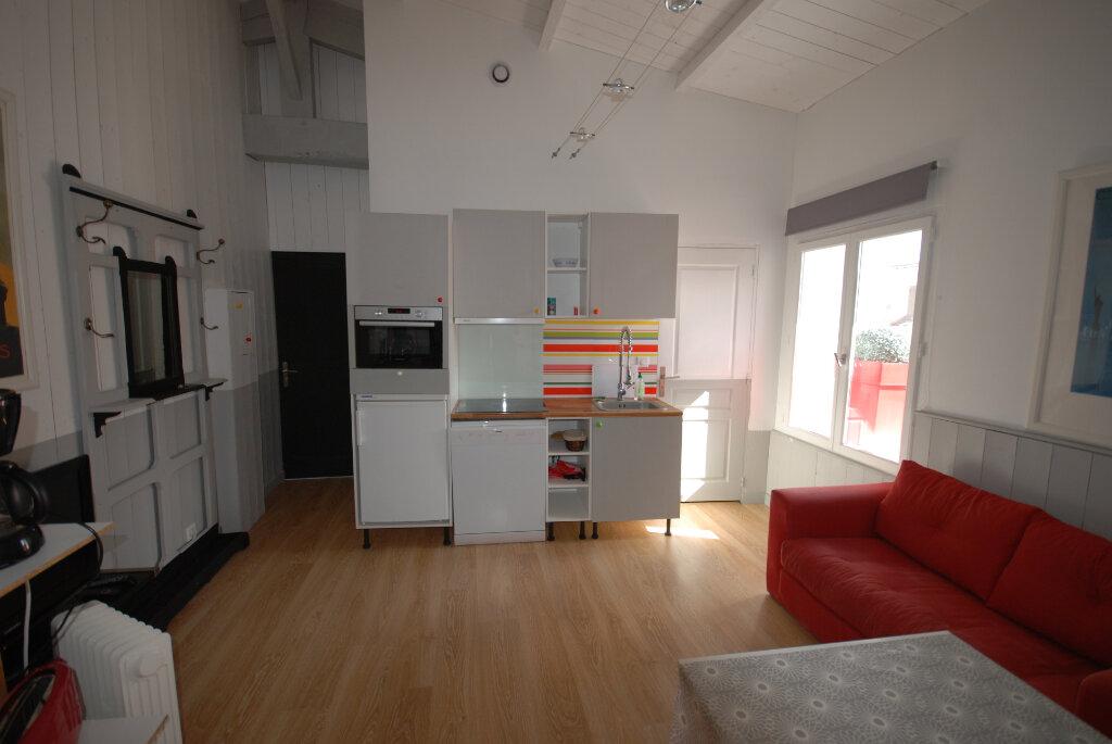 Immeuble à vendre 0 203m2 à Saint-Martin-de-Ré vignette-5