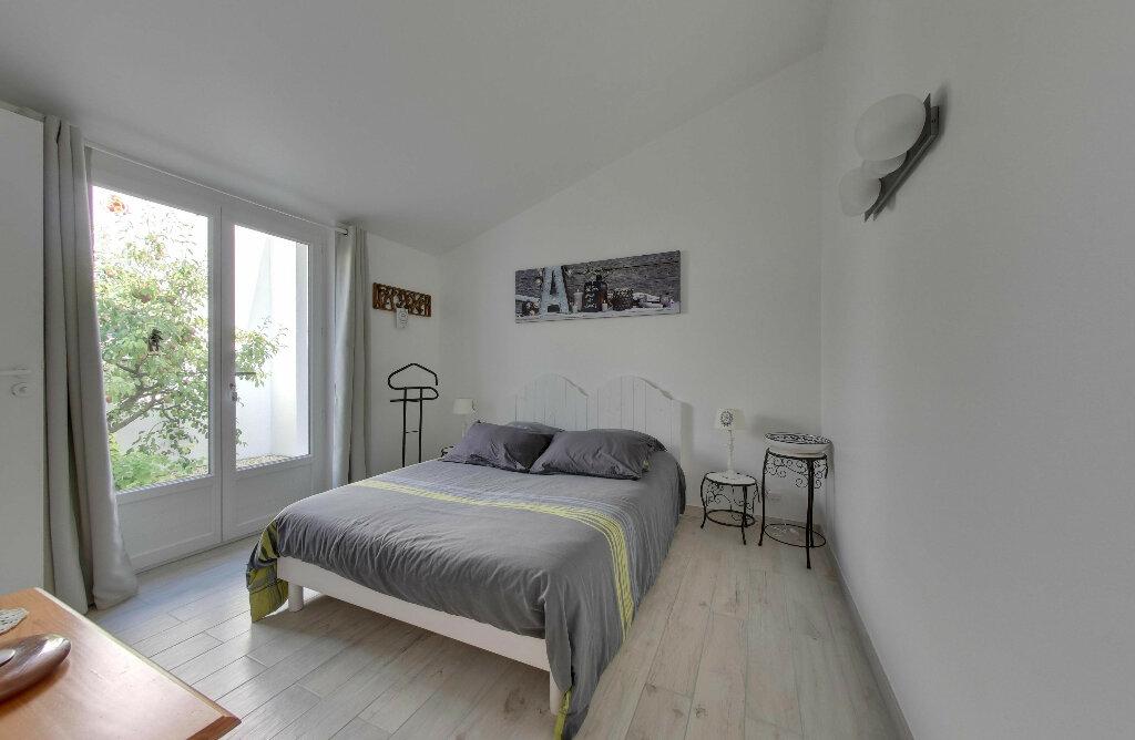 Maison à vendre 6 156m2 à Rivedoux-Plage vignette-7