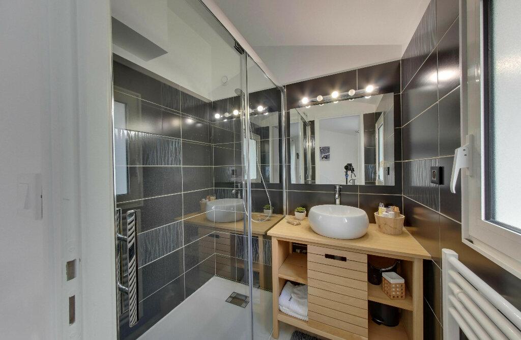 Maison à vendre 6 156m2 à Rivedoux-Plage vignette-8
