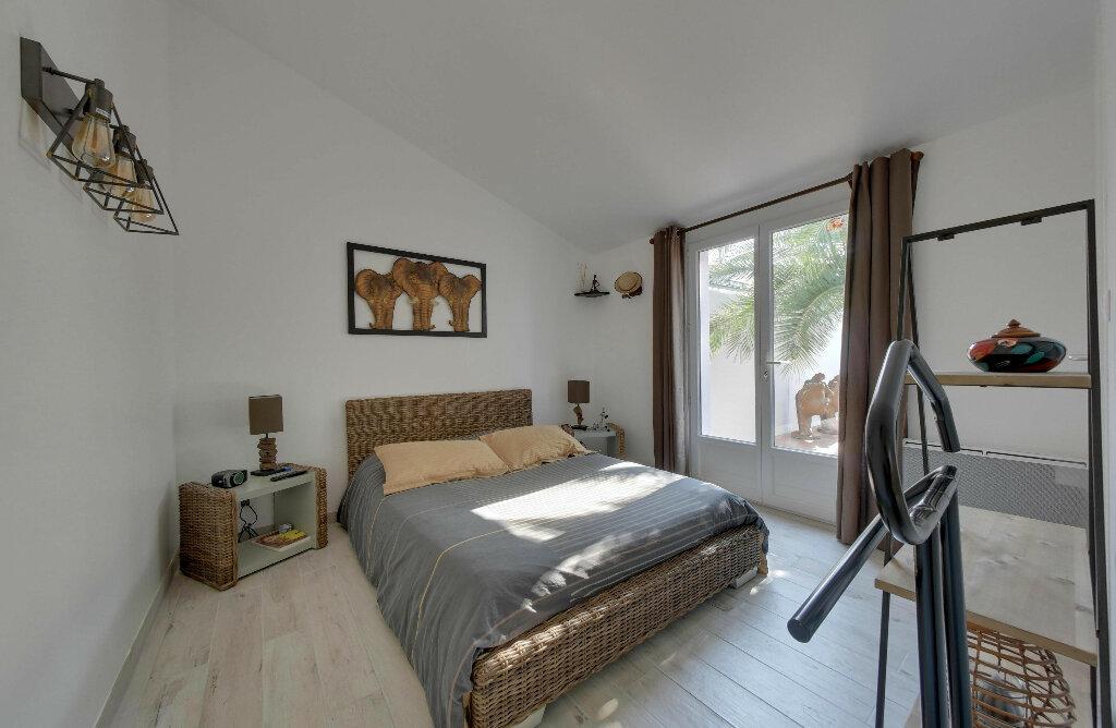 Maison à vendre 6 156m2 à Rivedoux-Plage vignette-9