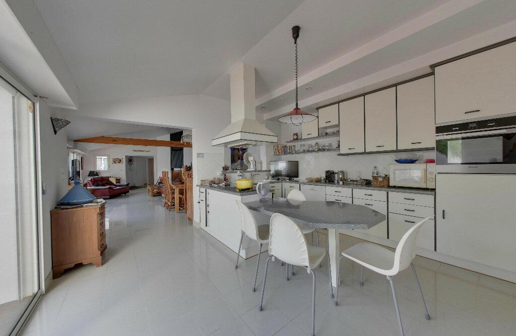 Maison à vendre 6 156m2 à Rivedoux-Plage vignette-11