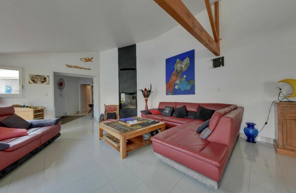 Maison à vendre 6 156m2 à Rivedoux-Plage vignette-12