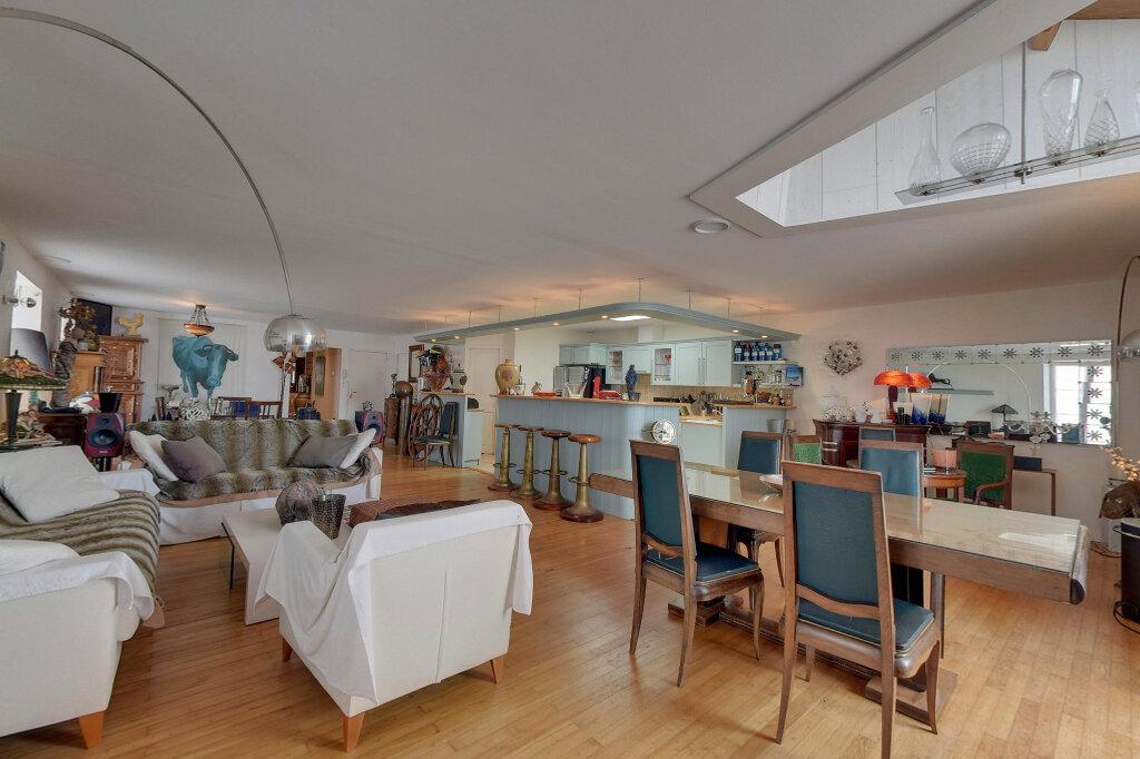 Appartement à vendre 6 198m2 à Saint-Martin-de-Ré vignette-2