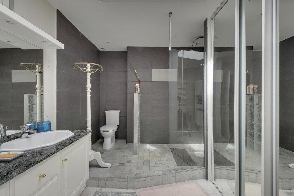 Appartement à vendre 6 198m2 à Saint-Martin-de-Ré vignette-5