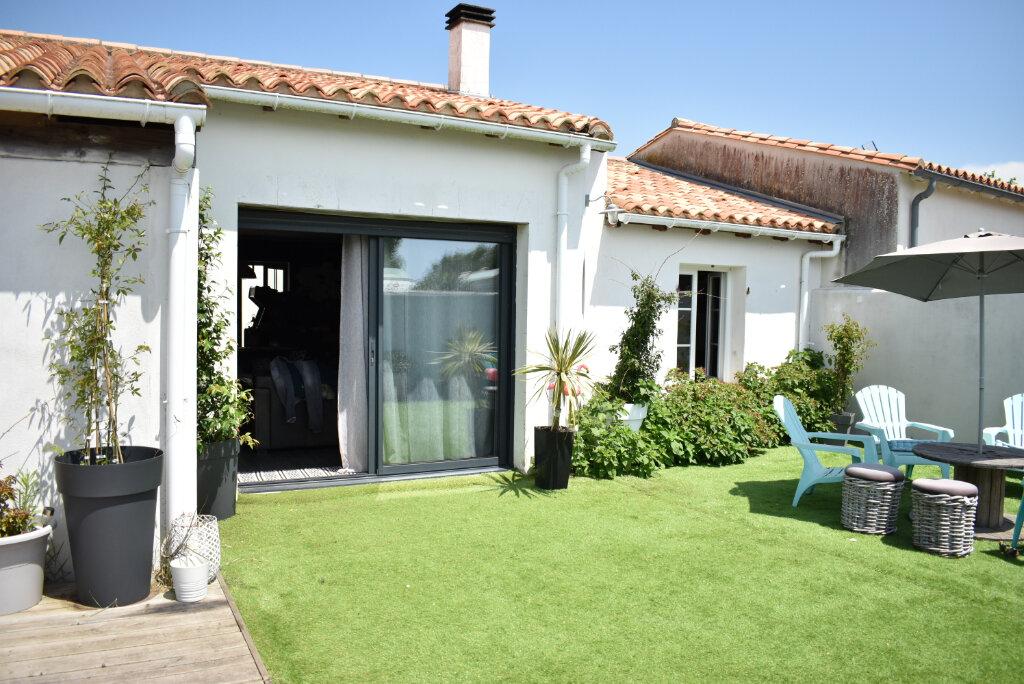 Maison à vendre 6 137m2 à Ars-en-Ré vignette-2
