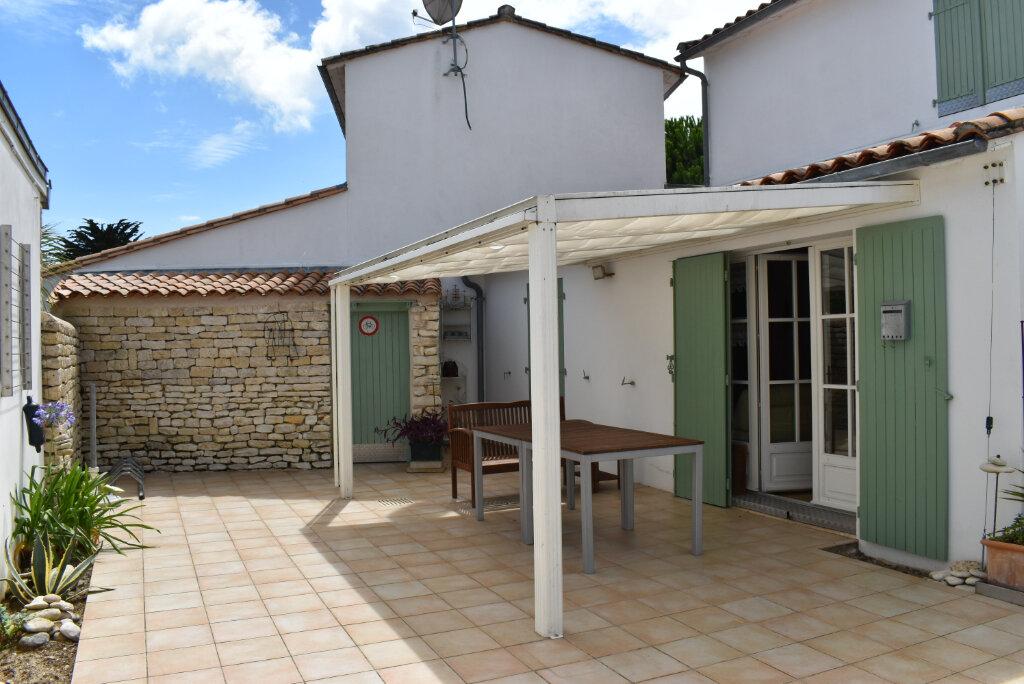 Maison à vendre 5 112m2 à Le Bois-Plage-en-Ré vignette-1