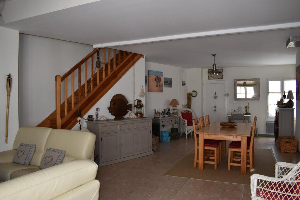 Maison à vendre 5 112m2 à Le Bois-Plage-en-Ré vignette-3