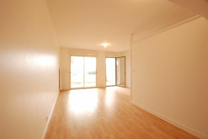 Appartement à louer 1 36.52m2 à La Rochelle vignette-1