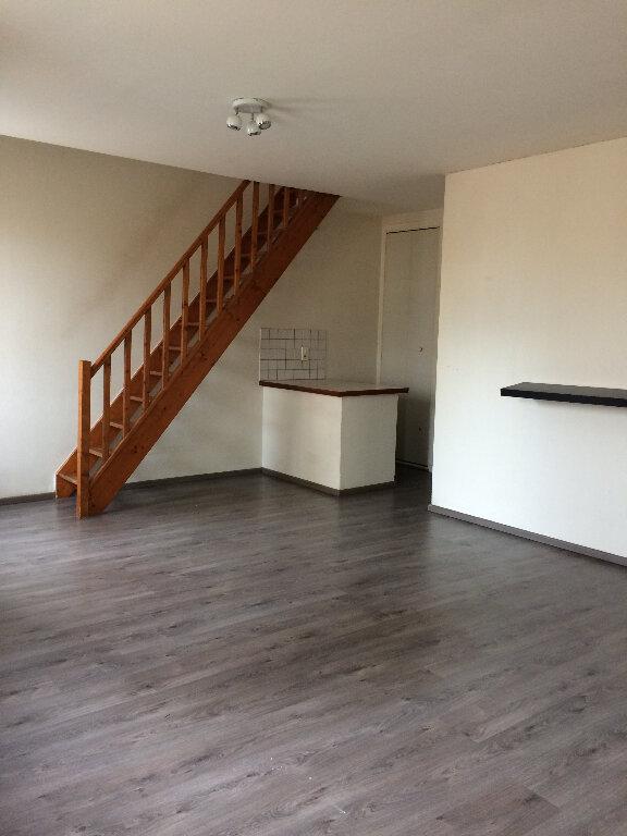 Appartement à louer 2 40m2 à Saint-Lys vignette-2