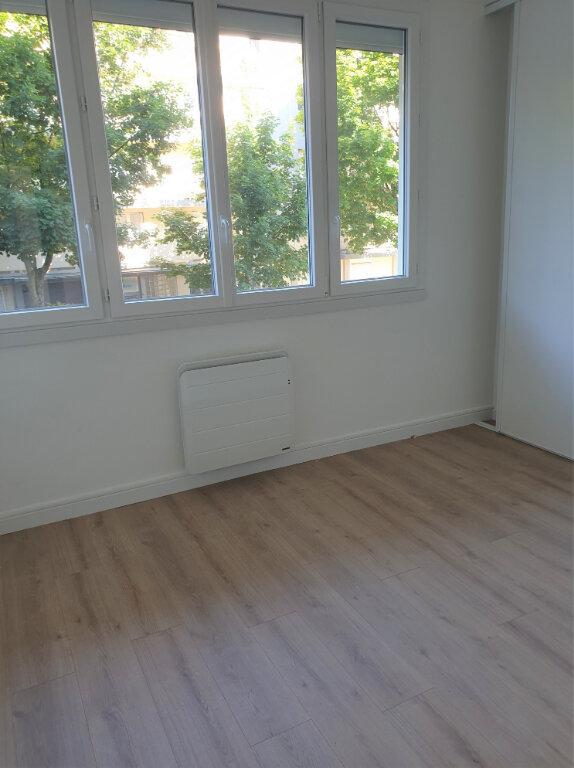 Appartement à louer 4 67m2 à Colomiers vignette-4