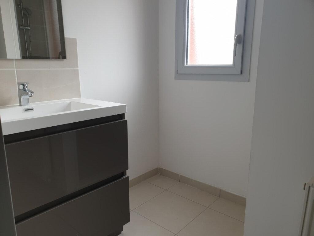 Appartement à louer 3 71m2 à Seysses vignette-5